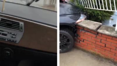 Il sort de la concession avec sa toute nouvelle BMW Z4 et l'explose contre un mur