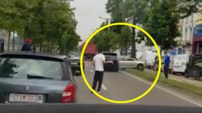 Un Range Rover défonce une Audi A3 après un road rage
