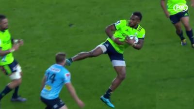 Du kung-fu pendant un match de rugby
