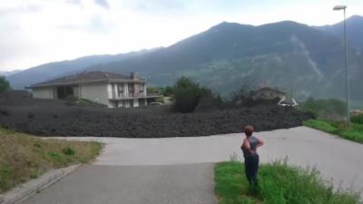 Une impressionnante coulée de boue en Suisse