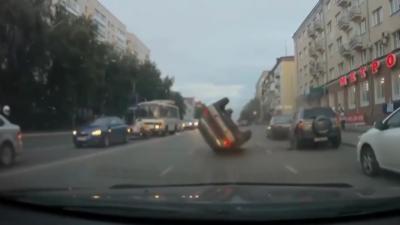 Un russe ivre arrive à retourner sa voiture
