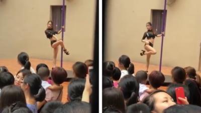 Une directrice invite des danseuses de Pole Dance dans une école maternelle