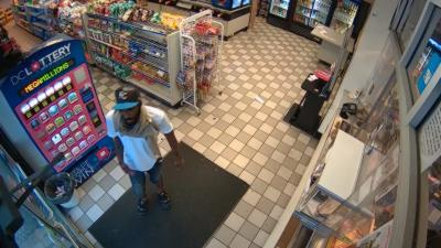 Un voleur en série se retrouve coincé dans une station service et fait tout pour sortir