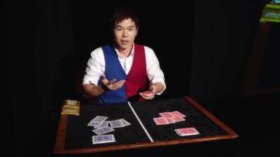 Le tour impressionnant d'Eric Chien pendant les championnats du monde de magie