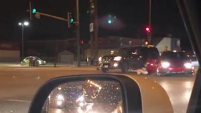 Un automobiliste expulse sa passagère en plein milieu de la route