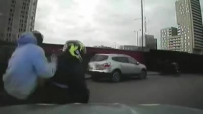 La police londonienne est désormais autorisée à foncer sur les voleurs de motos