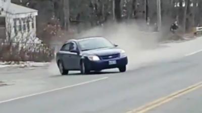 Un couple filme une course poursuite qui se termine mal