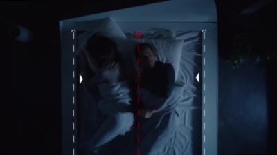 Un lit intelligent qui surveille la place que chacun prend dans le lit