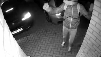 Un voleur démarre une BMW M140i grâce au démarrage sans clé et part avec