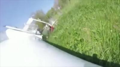 Un planeur percute un arbre et s'explose au sol avec deux passagers