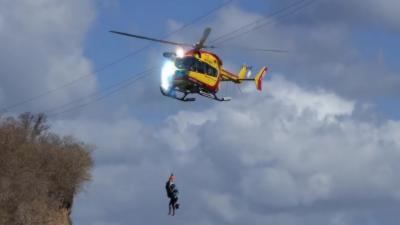 Un hélicoptère de la sécurité civile percute trois ligne de haute tension en Martinique