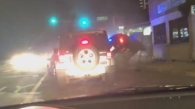 Deux voitures de police qui partent en intervention se percutent à un carrefour