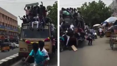 Des étudiants tombent du toit d'un bus après un freinage d'urgence