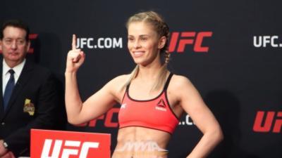 Une combattante MMA obligée de se mettre à nue pour perdre quelques grammes sur la balance