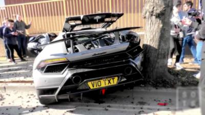 Il explose sa Lamborghini Huracán Performante en accélérant comme un idiot
