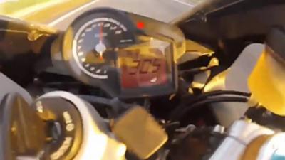 Après une pointe à 300 km/h il se crash dans une BMW qui se met à doubler
