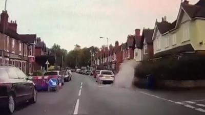 Un automobiliste éclabousse volontairement une piétonne et se fait verbaliser