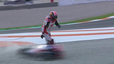 Le pilote Johann Zarco se fait violemment faucher par une moto