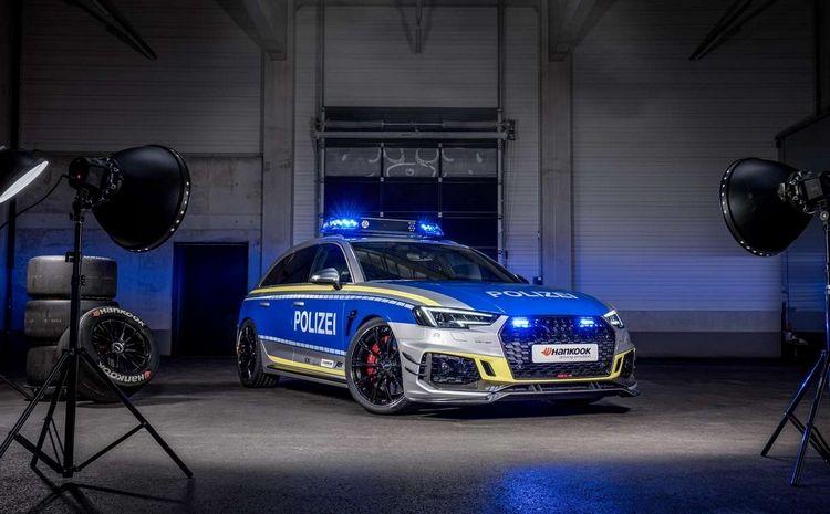 Resultado de imagen para Une magnifique Audi RS4-R aux couleurs de la police allemande, préparée par ABT Sportsline.